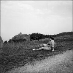 *** (Czesław Wojtkowski) Tags: certo certosix c6 landscape female monochrome blackandwhite bw rangefinder tessar foldingcamera field grass 120 rollfilm mediumformat