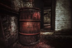 Red Barrel... (hobbit68) Tags: rot red fass tonne barrel industriegebiet industrie industry door tür fujifilm xt2 verlassen