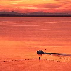 Cita con el Mar Menor - Appointment  with the Mar Menor (nuska2008) Tags: nuska2008 nanebotas marmenor murcia atardecer sunset españa vacaciones horizonte montañas olympussz30mr tramonto nubes clouds harmonyoftheseas flickr