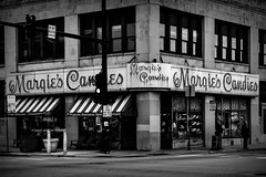 Margie's (Orson Wagon) Tags: illinois chicago beatles ice cream eat neon sign urban america candy