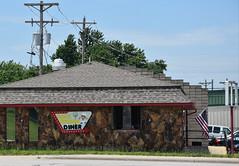Route 66 Back Rhoads Diner - Lebanon, Missouri (Adventurer Dustin Holmes) Tags: 2018 business businesses dining lacledecounty placestoeat elmstreet elmst lebanonmissouri lebanonmo missouri backrhoadsdiner diner building route66 rt66 oldroute66