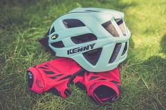 Week 20: hobbies (Tiph Haine) Tags: sony alpha 7ii sonyalpha7ii sonyfrance fullframe pleinformat 28mm primelense sony28mf2 projet52 52weekprojectphotography amateur lightroom tpix french français france lorraine moselle grandest hobbies mountainbike helmet kenny