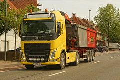 Volvo FH04 Globetrotter E6 500 - Transport Van den Bergh NV Ruisbroek, België (Celik Pictures) Tags: europe europa belgië belgium belgique belgiën limburg vlaanderen lente zomer mei may 2018 truckspotting spotting trucks vehicles moving inaction wheelsturning truckwheelsturning volvo spotted in beringenmijn seen transport van den bergh nv ruisbroek