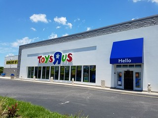 Toys R Us Going Out of Business (Brandon, FL)