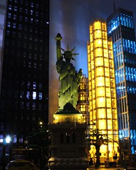 Statue of Liberty (sponki25) Tags: statue liberty freiheitsstatue lego architecture 21042 legonyc new york city lights night skyline