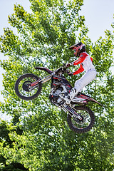 C58R2121 (Nick Kozub) Tags: montreal f1 monster energy compound fmx show demo aerial acrobatic inverted insane trick crazy vertical airborne kissthesky whereisjohannes stunt defy gravity grand prix canada freestyle motocross canon eos 1d x ef usm l 20700 f28 is ii