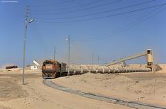 Aqaba Railway Corporation 963 + 412 Aqaba El Hedschasije (OliverHeckmann) Tags: jordanien jordan aqaba railway corporation arc 963 412 ge u17c u18 aqabaelhedschasije eshidiya mine phosphatzug phosphatetrain
