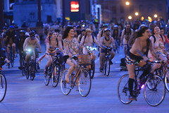 World Naked Bike Ride, Chicago (Symbiosis) Tags: worldnakedbikeride chicago chicagonakedbikeride statestreet nudists biking bikingchicago nakedbikeride wackerdrive topless wnbr publicnudity nudity