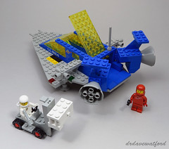 924 Loading the Cargo (drdavewatford) Tags: 924 spacecruiser lego classicspace