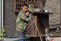 Street portrait, Xi'an, China (chrisjohnbeckett) Tags: street urban portrait candid xian china chrisbeckett canonef24105mmf4lisusm builder worker
