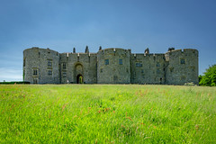 Chirk Castle (Howie Mudge LRPS BPE1*) Tags: chirkcastle castle architecture old history historic welshcastle nationaltrust ngc nationalgeographic outside outdoors greatoutdoors travel wales cymru uk sky bluesky grass bright sunny spring day june 2018 sony sonya6000 sonyalpha sony1650mm trees