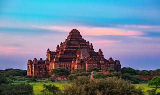 El gran templo de Dhammayangyi