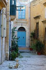 Backyard (Diskomuschel) Tags: malta valletta european capital culture 2018
