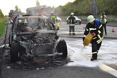 A8 bei Pforzheim - PKW-Brand - 27.05.2018 (GoldstadtTV) Tags: ölspur ölbindemittel bindemittel streuen