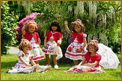Hallo ... habt einen schönen Tag ... (Kindergartenkinder 2018) Tags: gruga grugapark essen azaleen kindergartenkinder tivi annemoni sanrike annette himstedt garten milina kindra blauregenbaum weisregenbaum