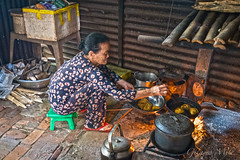 Hoi An - The Bakers Wife (Gilama Mill) Tags: hoian asia landscapes people travel vietnam water cook cooking fry frying cake pancake pastry hoi an bake baking food lady bean
