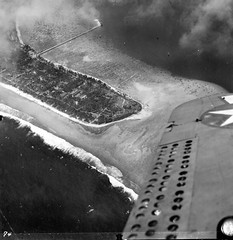 world war two pacific (San Diego Air & Space Museum Archives) Tags: divebomber diveflaps aerialphotography aerialphotograph aerialphoto worldwartwo worldwarii wwii ww2 secondworldwar pacifictheater pacifictheaterofoperations pacifictheatre pacifictheatreofoperations pto aviation aircraft airplane navalaviation unitedstatesnavy usnavy usn douglasaircraftcompany dac douglasaircraft douglas douglassbddauntless douglasdauntless douglassbd sbddauntless sbd wrightr1820 wrightcyclone r1820 wrightcycloner1820