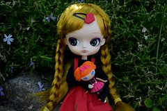 Cora and her new doll (BookSmellLover) Tags: dal delorean pullip groove fashion doll asia asian korean japanese japan multinic folk lalaloopsy