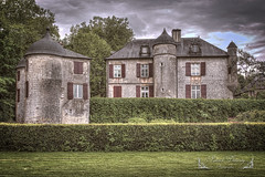 Pyrénées-Atlantiques, Pays Basque ( photopade (Nikonist)) Tags: pyrénéesatlantiques paysbasque architecture apple affinityphoto afsdxvrzoomnikkor1685mmf3556ged nikon nikond7100 château castle