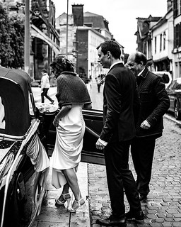 Wedding . . . . . . . . . #photographie #alpha6000 #a6k #love #wedding #Sigma #30mm #sigma30mm14dcdn #sigma30mm #France #Troyes #photographer #Family #Passion #Famille #fleurs #robe #voiture