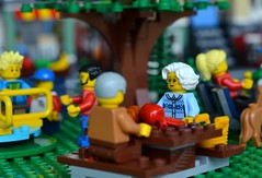 Fun at the Park (linda_lou2) Tags: 365the2018edition 3652018 day145365 25may18 145365 365toyproject lego minifigure minifig park funinthepark picnic