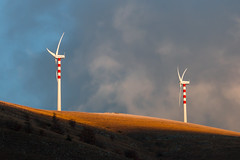 The power of wind (luigig75) Tags: hills mountains montagne colline tramonti tramonto sunset pale eoliche wind turbine clouds winter appennino italia italy central tamronsp150600mmf563divcusd 70d canon landscape