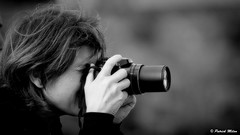 In the box (patrick_milan) Tags: girl fille femme woman camera photographe