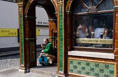 The Quays Bar (OgniP) Tags: dublin templebar thequaysbar street streetphotography bar pub ireland