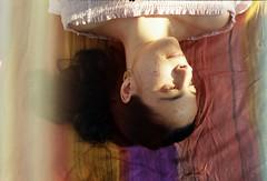 Del color de la miel #InspiraciónBdF63 (Bicos de cores) Tags: sara princesa retrato chill sun sundown sunset spring primavera portrait portraitphotography portraiture film 45 45mm analogphotography analogue analógica santiagodecompostela filmfilmforever inspiraciónbdf63