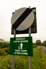 IMG_0464 (Adrian Royle) Tags: lincolnshire louth litter road sign lincolnshirewolds