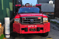 FDNY BFU-5 (Triborough) Tags: ny nyc newyork newyorkcity richmondcounty statenisland arrochar fdny newyorkcityfiredepartment firetruck fireengine brush fire unit brushfireunit5 brushtruck bfu bfu5 ford fseries f450 dejana