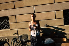Modena, 2018 (Marco Bottazzi) Tags: modena igersmodena leicadlux leica dlux modenastreet modenacentro street streetphotography girl woman smoke