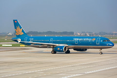 VN-A399 Vietnam Airlines Airbus A321-231 at Hanoi Noi Bai International Airport on 17 May 20188 (Zone 49 Photography) Tags: aircraft airliner airplane aeroplane may 2018 vvnb han hanoi noi bai noibai international airport vn hvn vietnam airlines airbus a321 321 airbusa321 200 231 vna399