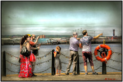 A SIGHTING (DEZ 2) Tags: hdr candid impression liverpool