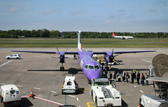 G-JEDP de Havilland Canada DHC-8-402 Dash 8, flybe, Edinburgh Airport, Edinburgh, Scotland (Kev Slade Too) Tags: gjedp dehavillandcanada dhc dhc8 dash8 flybe spiritofmanchester egph edinburghairport edinburgh scotland