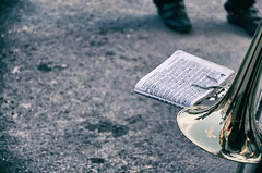 la ritirata (encantadissima) Tags: casteltermini agrigento sagradeltataratà tromba spartito allegoria street