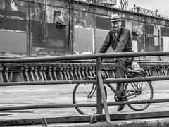 LRb Hamburg 2018-5190421 (hunbille) Tags: birgittehamburg2018lr hamburg germany elbe harbour river shipyard bicycle ship yard