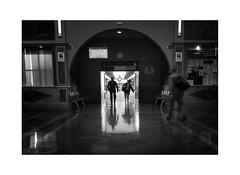 El regreso (P.P.Sanchez) Tags: estacion autobuses regreso sony zeiss