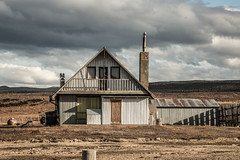 Abandoned Patagonian house (Piotr_PopUp) Tags: abandoned decay ruraldecay rural house building buildings patagonia puntaarenas magallanes chile southamerica latinamerica landscape