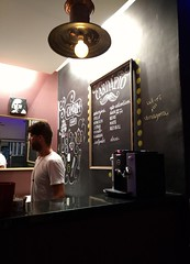 chá ou café? (luyunes) Tags: café cafeteria coffee coffeeshop bar mobilephoto mobilephotographie motozplay luciayunes cafezinho