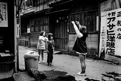 memories 640 (soyokazeojisan) Tags: japan osaka street bw city people blackandwhite children downtown monoxhrome analog olympus m1 om1 28mm film trix kodak memories 昭和 1970s 1975