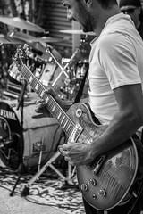 IMG_4638 (aochlesia13) Tags: monochrome contraste nuances guitare electrique gibson gibsonlespaul band live concert rock guitariste canon eos80d sigma solo bokeh