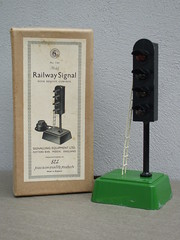 Vintage S.E.L Signalling Equipment Limited Model Railway Signal Mint / Boxed Made in Potters Bar England 1950's (beetle2001cybergreen) Tags: vintage sel signalling equipment limited model railway signal mint boxed made potters bar england 1950s