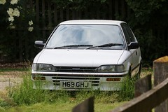 H69 GHJ (Nivek.Old.Gold) Tags: 1990 toyota corolla gl 3door 1295cc dsalmoncars colchester