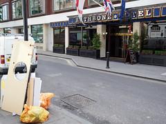20180613T10-59-06Z-_6133401 (fitzrovialitter) Tags: england fitzrovia gbr geo:lat=5151882900 geo:lon=013612600 geotagged unitedkingdom westendward peterfoster fitzrovialitter rubbish litter dumping flytipping trash garbage urban street environment london streetphotography documentary authenticstreet reportage photojournalism editorial captureone littergram exiftool olympusem1markii mzuiko 1240mmpro city ultragpslogger geosetter