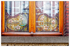 Souvenirs d'enfance (Jean-Marie Lison) Tags: eos80d lessines fenêtre vitrail reflets