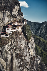 Bhutan: The Tiger's Nest Monastery I. (icarium.imagery) Tags: architecture bhutan buddhist monastery drukyul himalaya historic landscape mountains nature sonydscrx1rm2 travel captureone tigersnest parotaktsang famoussight bluesky sundaylights