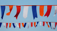 Festive (EvelienNL) Tags: flags garland decorative festive red white blue orange redwhiteblue vlaggetjes slinger rood wit blauw oranje roodwitblauw feestelijk vrolijk versierd versiering