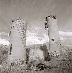 Lime, Oregon (efo) Tags: bw film hasselblad oregon lime abandoned ruined industrial