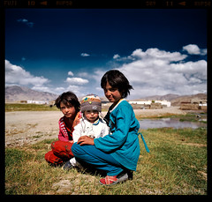 Care (tsiklonaut) Tags: pentax 6x7 67 67ii film analog analogue analogica analoog 220 roll medium format fuji fujifilm velvia 50 rvp slide dia positive e6 chrome hunt tajikistan tadžikistan wakhan corridor wakhi children girls playing central asia keskaasia lapsed mängimas aasia pamir pamiir pamiirid mountains bulunkul travel discover experience drumscan drum scan scanner pmt vivid